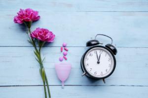 Menstruationstasse richtig und schmerzfrei entfernen